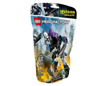 Hero Factory Кусачий монстр против Стормера